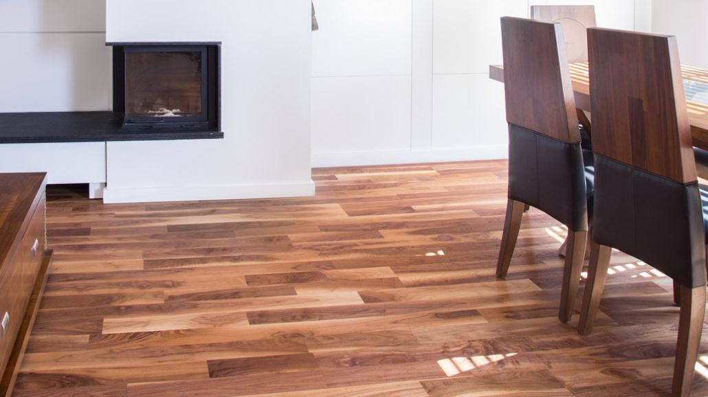 <p>Love good-looking floors and want to refresh yourself on the best way to clean hardwood floors? Trust the Bona floor care experts to help you care for wood floors.</p>